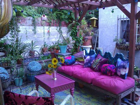 candele scolpite hippie style tutto il colore e le atmosfere di questo