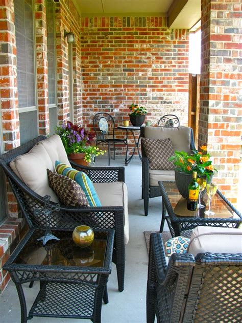 deck furniture layout 25 best ideas about patio makeover on pinterest
