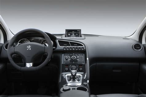 peugeot 3008 2015 interior new peugeot 3008 hybrid4 world s first diesel electric