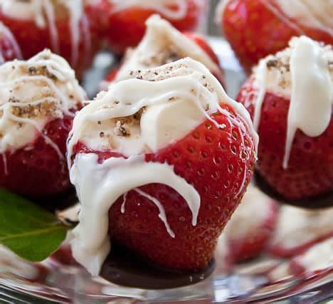 chocolate accents cheesecake strawberries with chocolate accents recipe