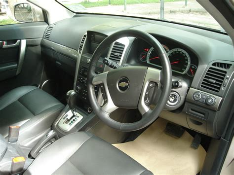 chevrolet captiva interior file chevrolet captiva interior jpg wikimedia commons