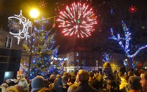 thousands enjoy nantwich christmas lights switch on