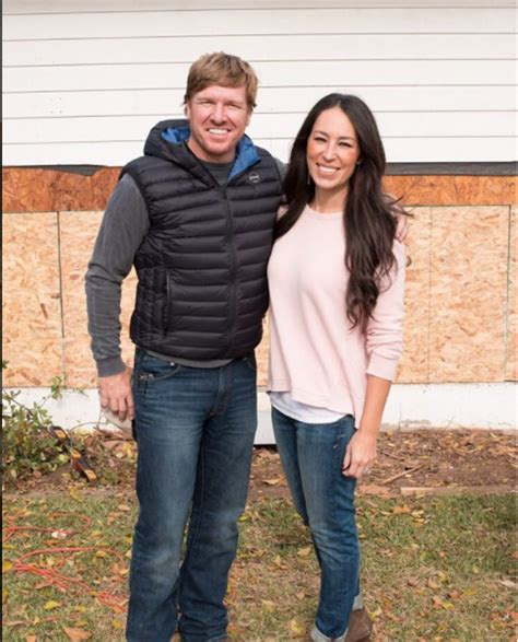 where does joanna gaines live fixer upper s chip and joanna gaines live out their faith