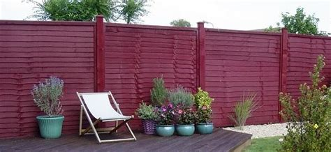 what colour should your fence be
