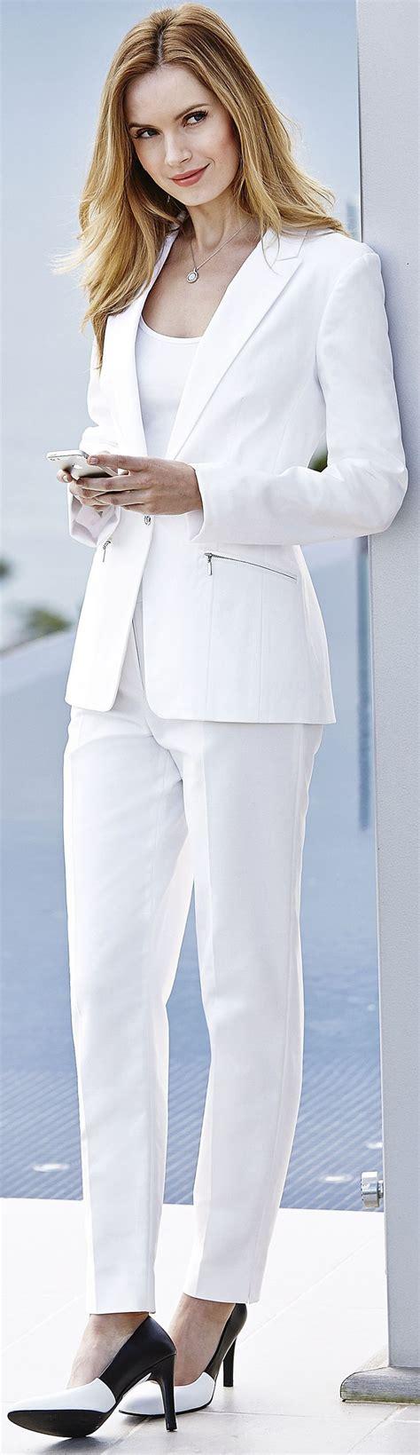 tall white linen pin by tina boomerina baby boomer on wedding