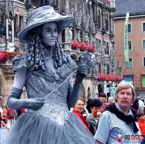 silver living statues  dubai id