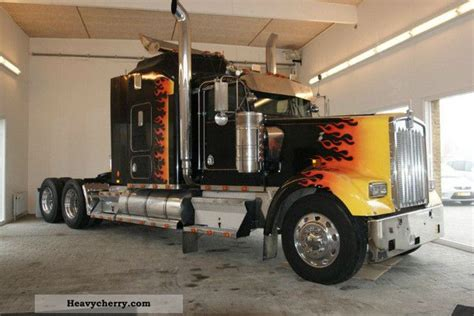 kenworth maker  pictures page