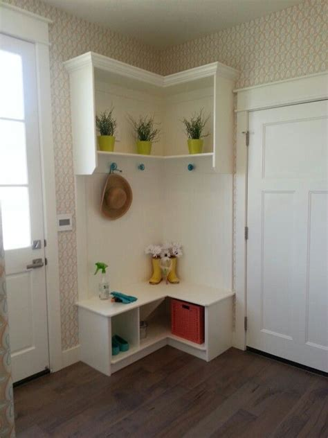 Corner Bench And Shelf Entryway Styles Of Corner Entryway Bench Layouts Homesfeed