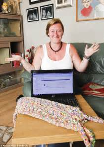 loom band dress video 16 first child to make a adult dress made from 24k loom bands sells on ebay for 163 170k