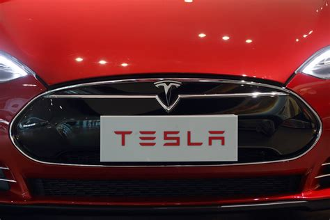 Tesla Electric Car Benefits Why Apple Would Benefit From Building Electric Car Tech