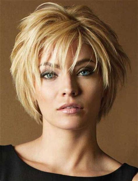 fryzury damskie półdługie – modne fryzury w 2018 dla każdego