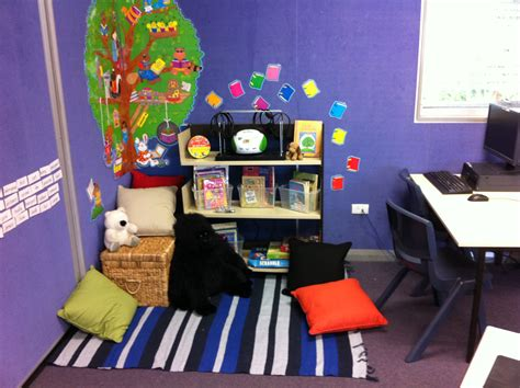 reading corner interior designs reading corner ideas 006 reading corner