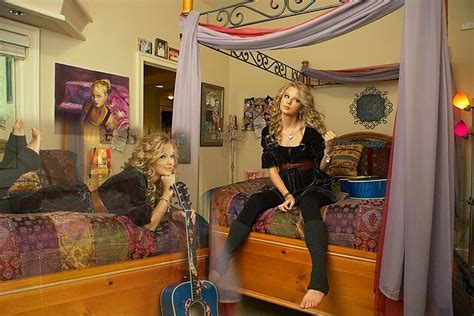 taylor s bedroom taylor swift fan art 12952289 fanpop
