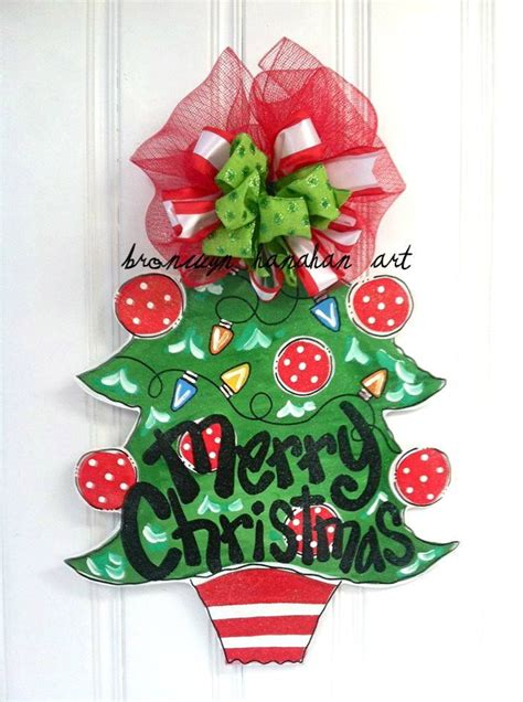 red green christmas tree door hanger bronwyn hanahan art