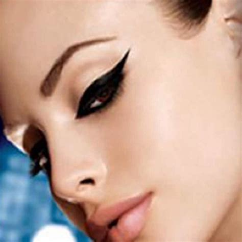 tattooed cat eyeliner absolutely amazing beauty hacks every girl should see