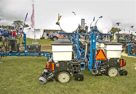 Liquid Fertilizer Systems For Planters by Corn Soybean Planters Custom Made The Western