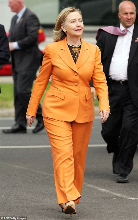 what is hillary clinton hair coloer height weight and eyes femail reveals hillary clinton s 20 worst fashion faux pas