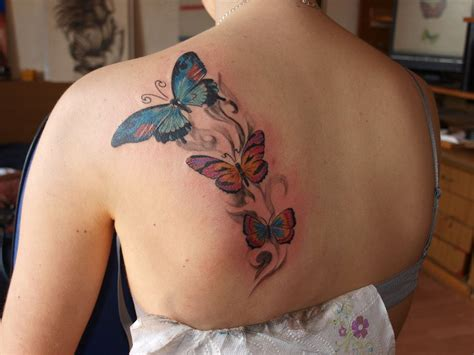 butterfly tattoo on girl s shoulder butterfly tattoos on shoulder