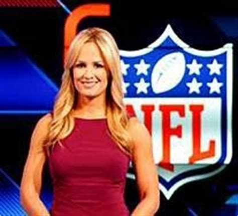 nfl female reporters brown hair nfl network on air talent alex flanagan female