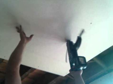 Putting Plasterboard On Ceiling by How To Put Up A Plasterboard A Ceiling