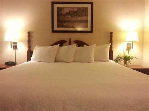 most comfortable beds officially the most comfortable bed ever picture of hton inn bellevue