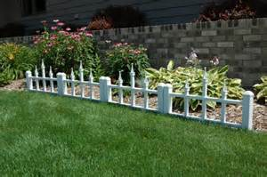 Fencing Ideas For Small Gardens Cloture Jardin Bois Pour Un Ext 233 Rieur Tout Naturel