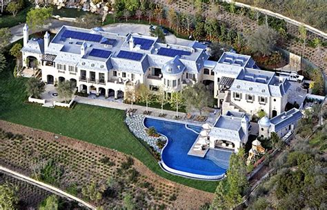 tom brady and gisele bundchen complete 22 000 square foot