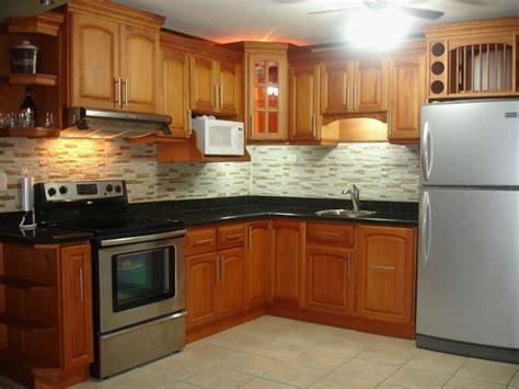 foto cocina integral en color natural de carpinteria ruiz