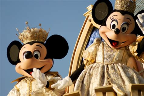 Boneka Mickey Mouse School fans berat sama mickey mouse yuk intip 10 fakta unik