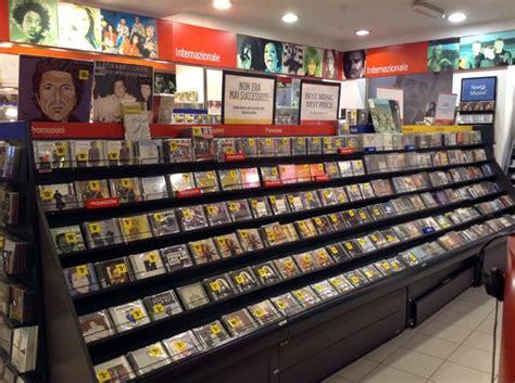 libreria via oberdan bologna i migliori negozi di musica e dischi a bologna