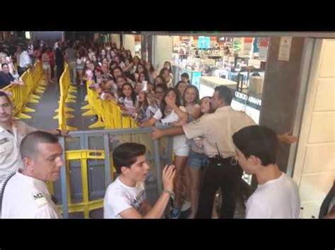 Firma De Discos Cordoba Gemeliers 2015   tras la pista de gemeliers en firma de discos en