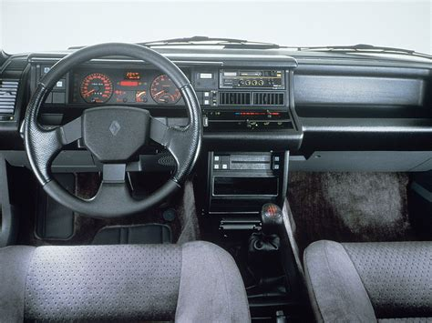 Renault 21 Interior by Renault 21 Interior Autoevolution Driven To Write