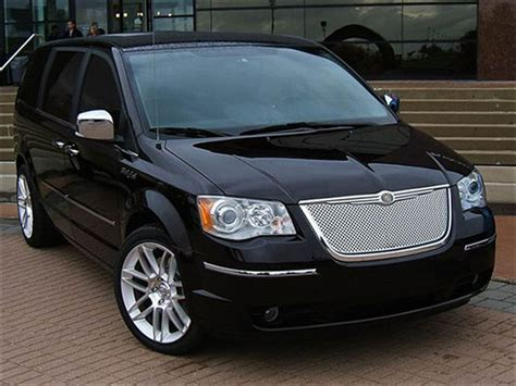 2007 chrysler town and country 301 moved permanently