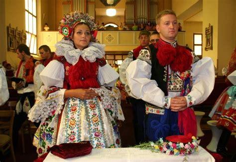 traditional wedding česk 225 republika czech republic
