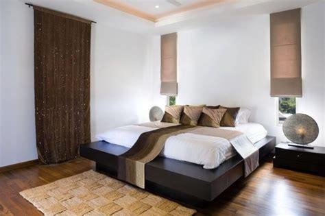 machen sie ein kleines schlafzimmer größer aussehen pinnwand k 252 che holz