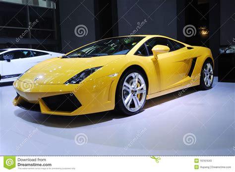 Lamborghini Yellow Name Yellow Lamborghini Gallardo Lp 550 2 Coupe Editorial
