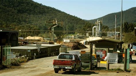 mill in mourning after of worker the border mail mill workers lockout as talks stall the border mail
