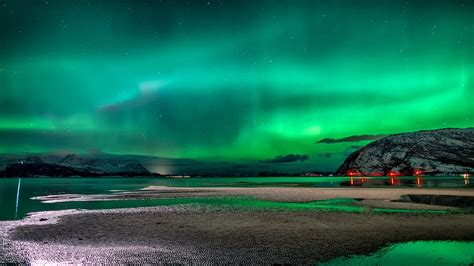 what creates the northern lights photos of auroras of 2014 earth earthsky