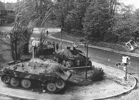 panzerjã ger on the battlefield world war two photobook series books hetzer tank destroyers 1945 2 world war photos