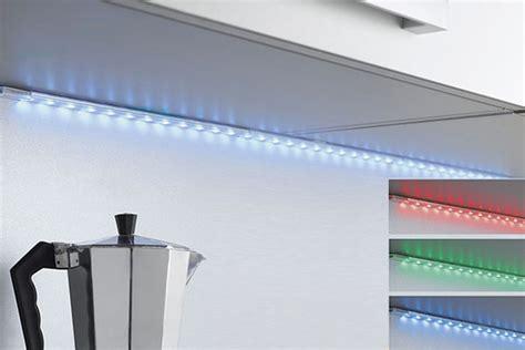 eclairage led cuisine plan de travail eclairage led cuisine moderne les suspendues cuisine