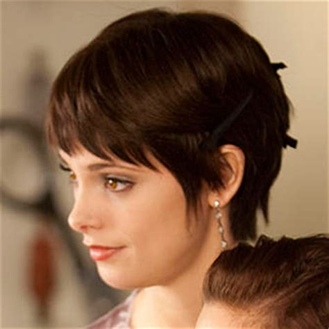 Helpful Folly: If you're thinking about getting a pixie cut