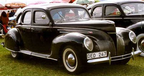 file lincoln zephyr v12 4 d sedan 1939 jpg wikimedia commons