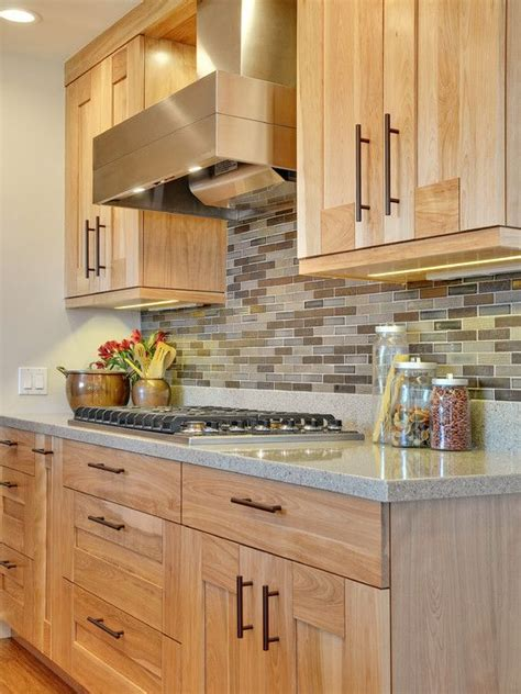 Light Kitchen Cabinets Best 25 Light Oak Cabinets Ideas On Pinterest Kitchens