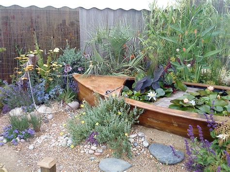 Garden Decoration Boat by Beaut Nautical Garden With A Boat Pond And