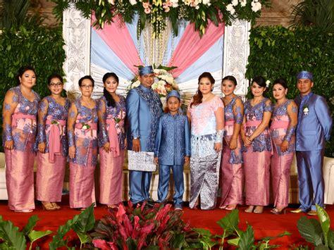2 Hana Baju Dress Wanita kebaya dress seragam keluarga by butik hana bridestory