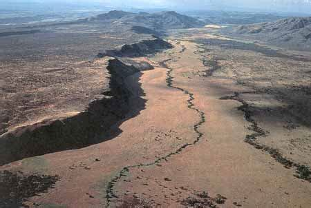 scientists suggest new age for east african rift the