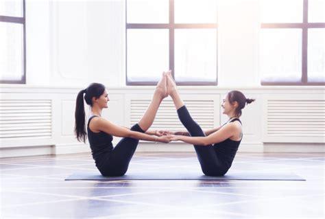 imagenes comicas de yoga posturas de yoga que te ayudar 225 n a aplanar el vientre yo
