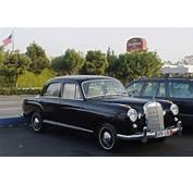 190 Ponton Mercedes Benz Revell Diecast Model Car Scale 118