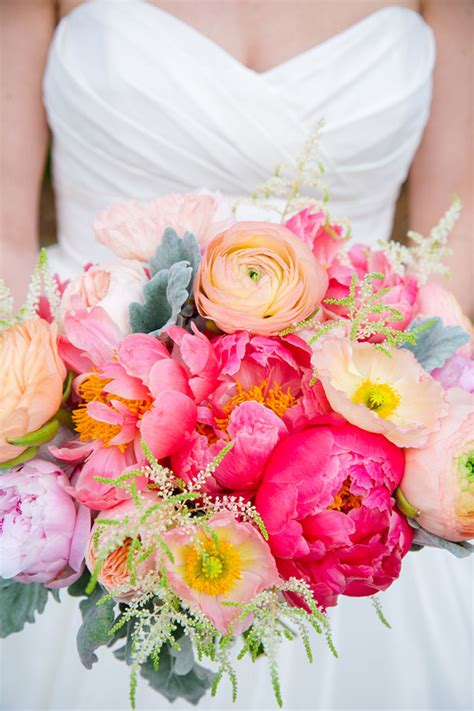 Wedding Pink Flowers by Wedding Flower Colors To Match Your Personality