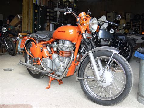 Indian Diesel Motorrad by Royal Enfield Geschichte Bei Einem Sammler Entdeckt